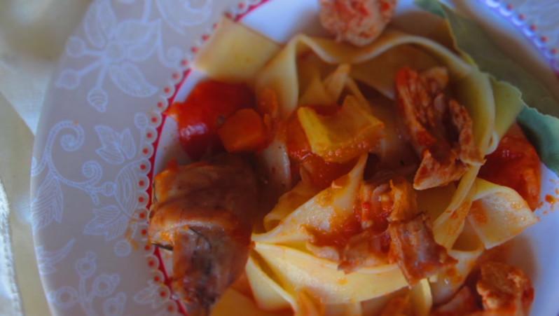 Pappardelle con Rosolio al Finocchietto e coniglio.